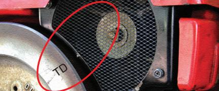 หมุนตัวอักษร TD ให้ตรงจุดตะแกรงพัดลม